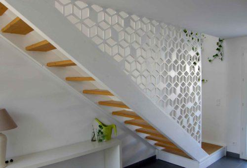 Rampe en bois garde corps d'escalier en claustra sur mesure