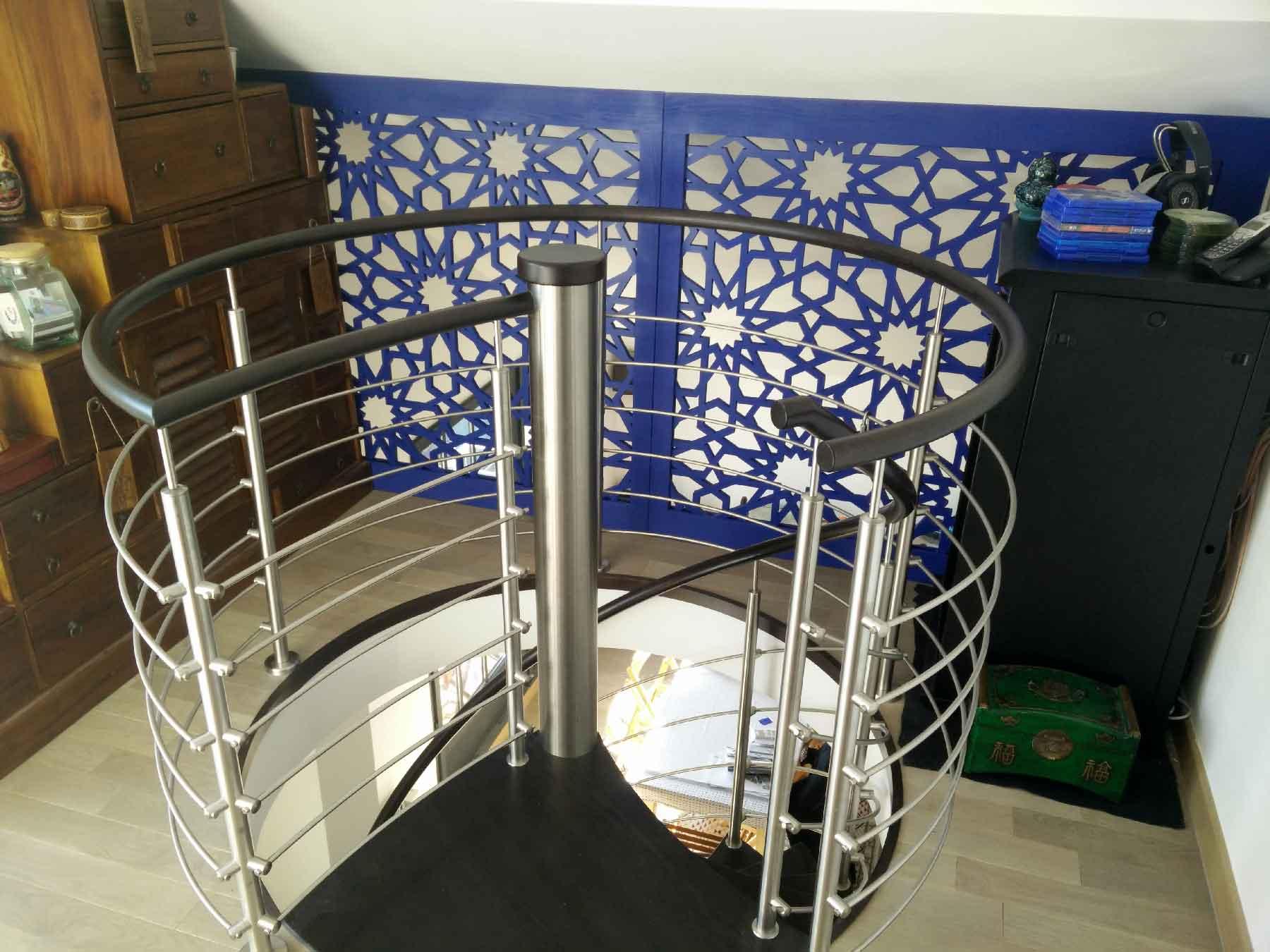 Garde corps de mezzanine moderne avec le claustra Helios