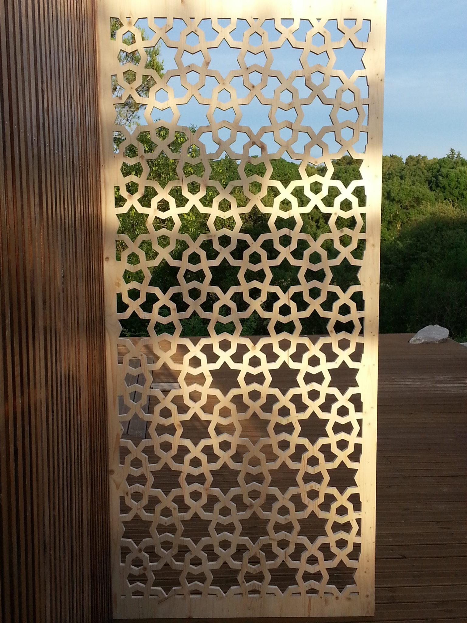 paravent-bois-traditionnel-terrasse