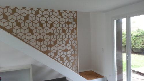 claustra-escaliers-bois-géométrique
