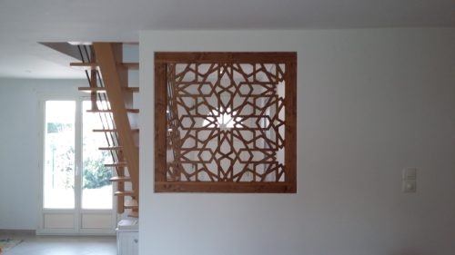 fenêtre-carrée-bois-naturel