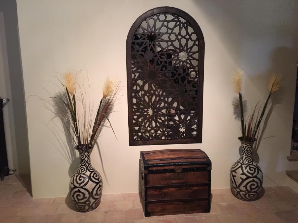 fenêtre façon panneau arabesque pour intérieur