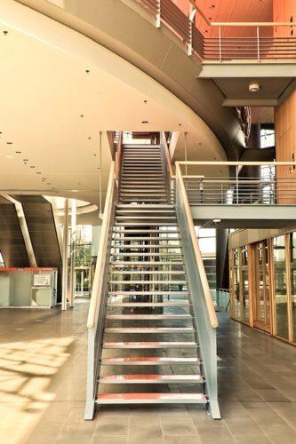 bois-escalier-maison