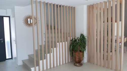 lames-verticales-bois-escaliers