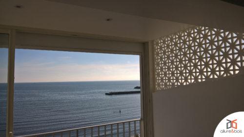 claustra-véranda-lumière-bois