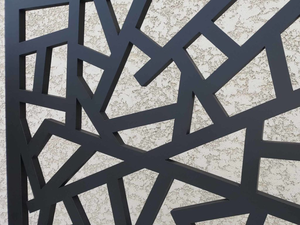 claustra noir design