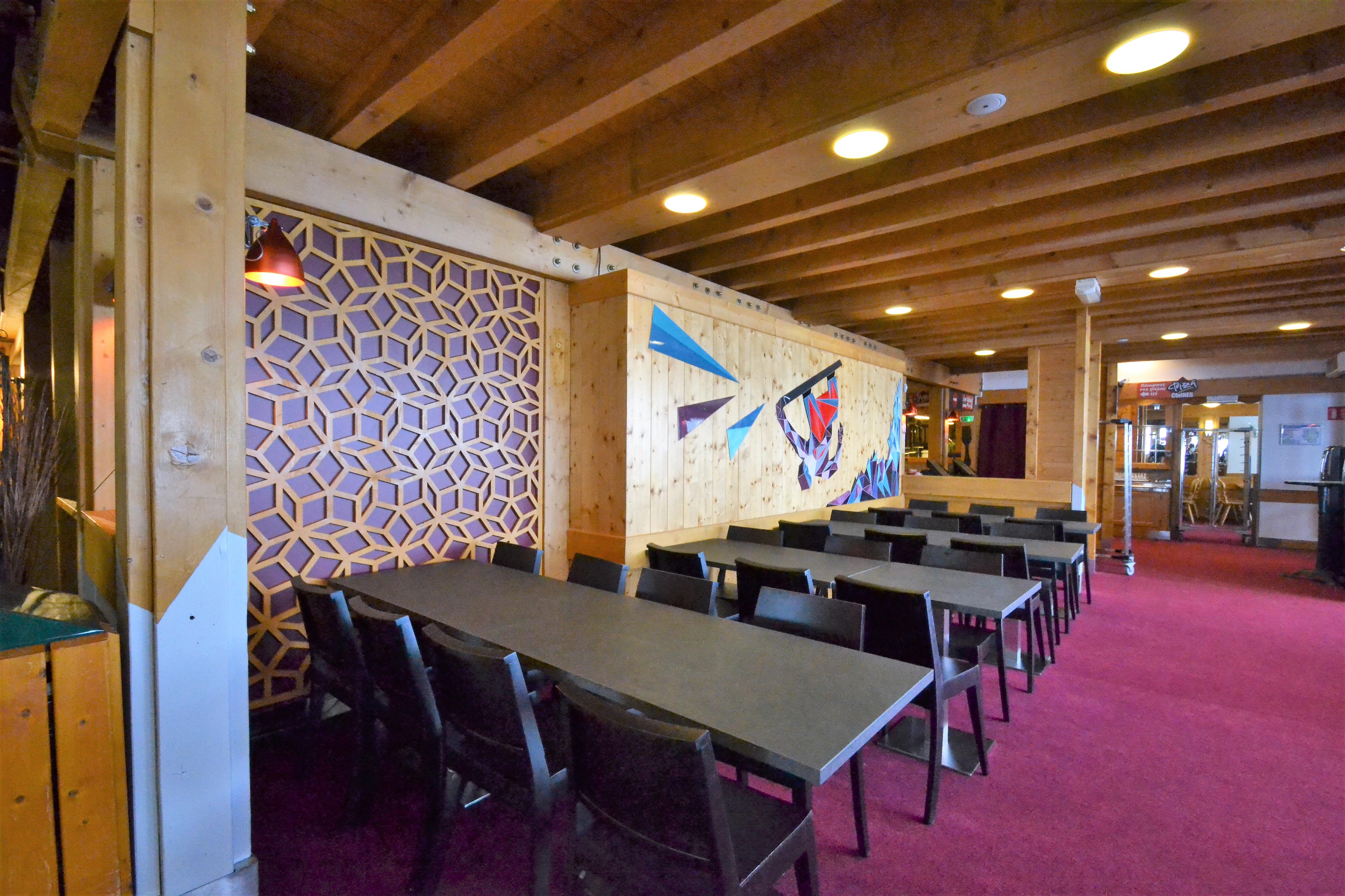 Panneau mural avec motif contemporain pour restaurant