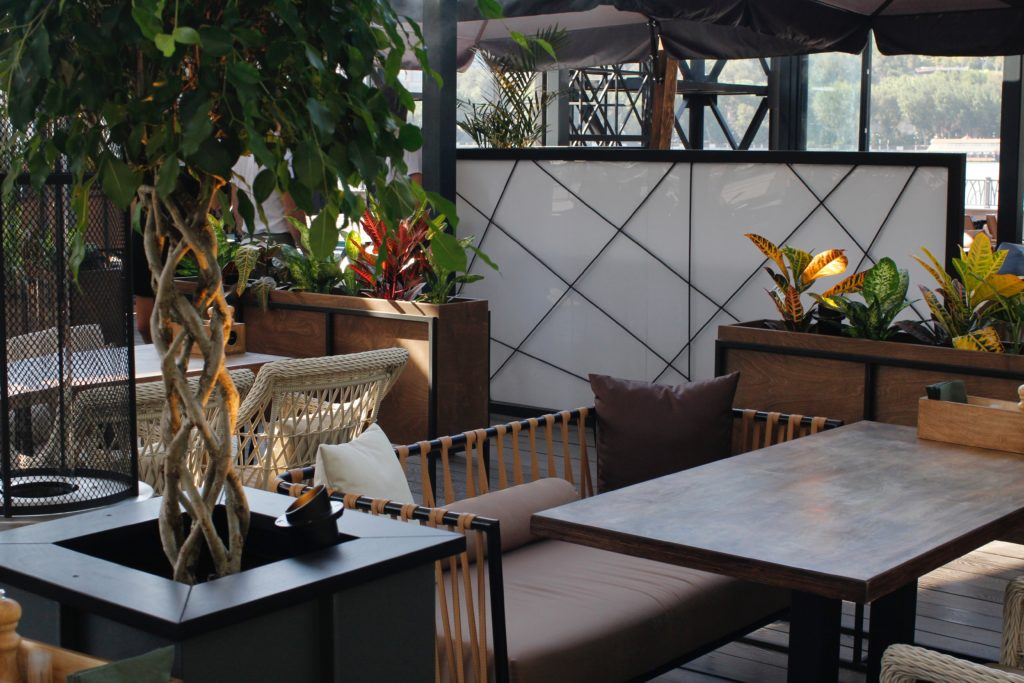 claustra pour salle de restaurant lequel choisir. Black Bedroom Furniture Sets. Home Design Ideas