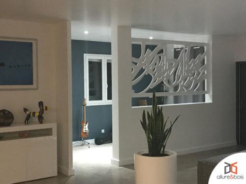 claustra-integre-motif-contemporain-calligraphie