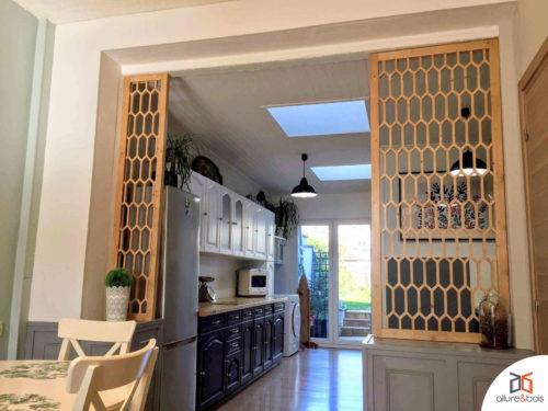 claustra-nid-abeille-mobilier-interieur-bois