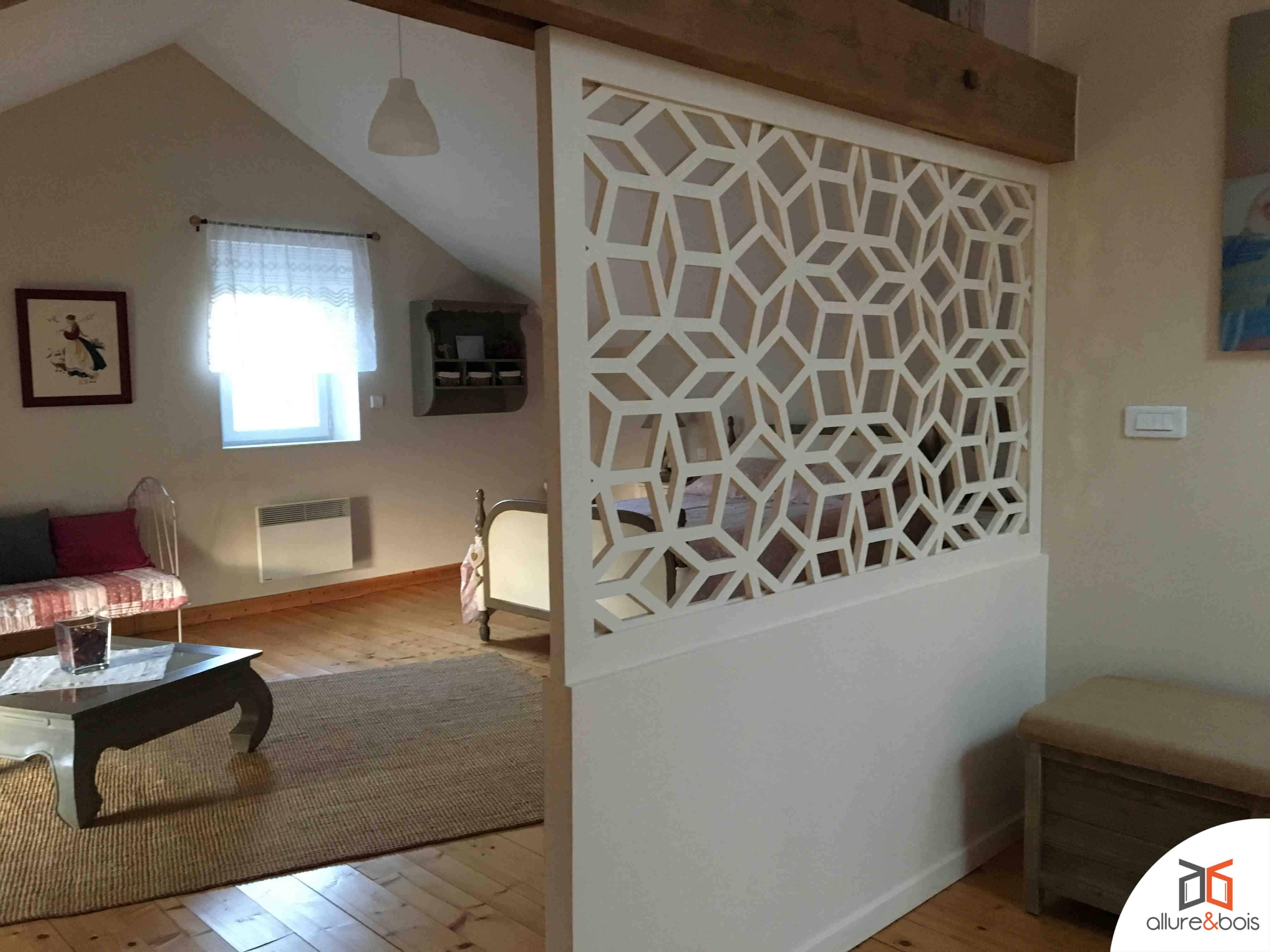 Petit appartement et séparations de pièces avec le claustra ...