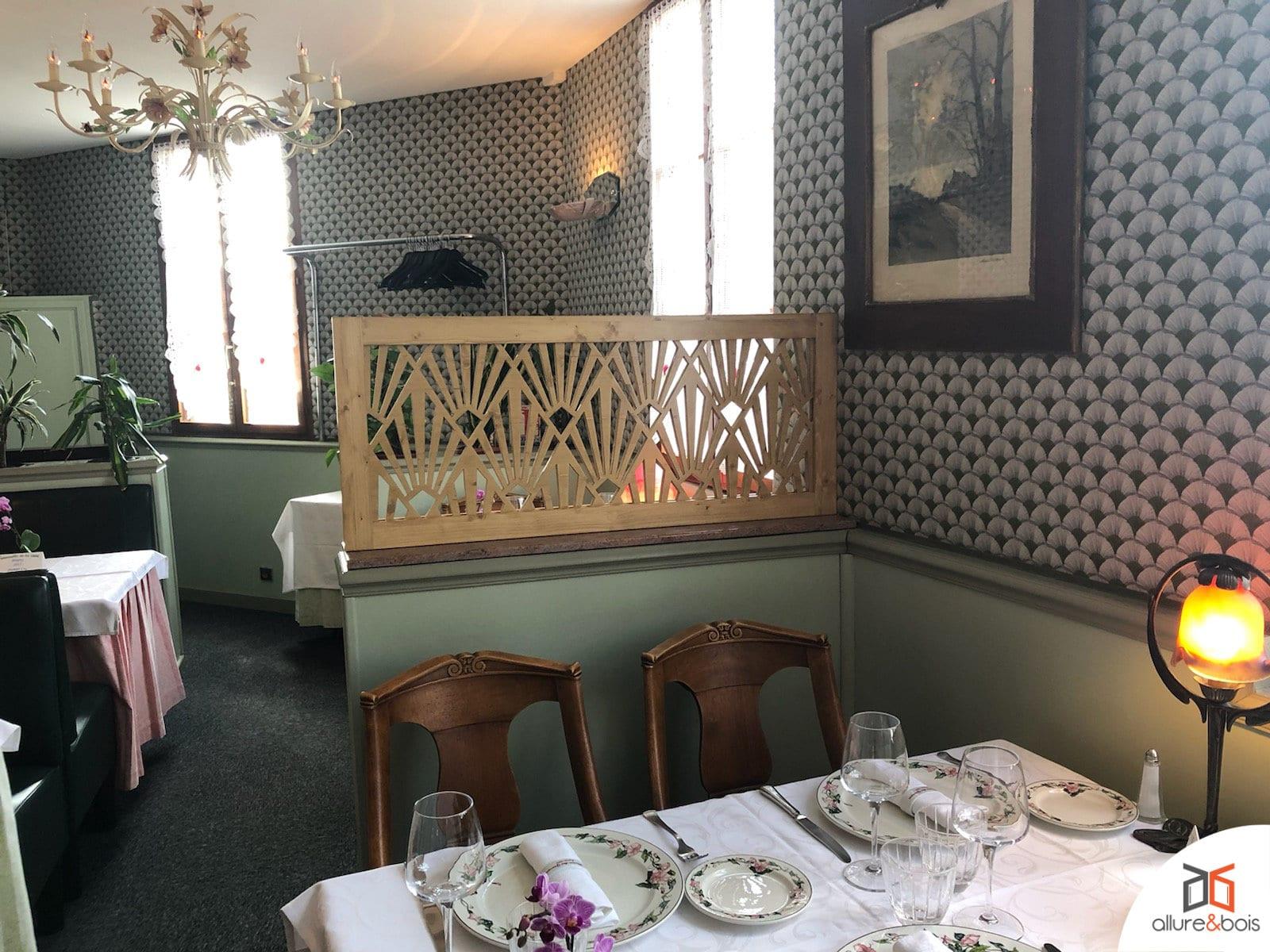 restaurant-claustra-cloison-mixte-bois