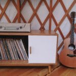 treillis-bois-console-musique-guitare