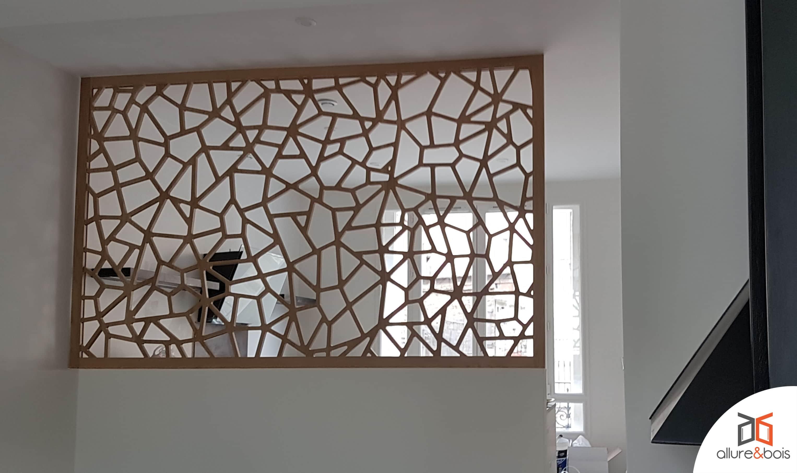 Claustra contemporain en bois au motif aléatoire