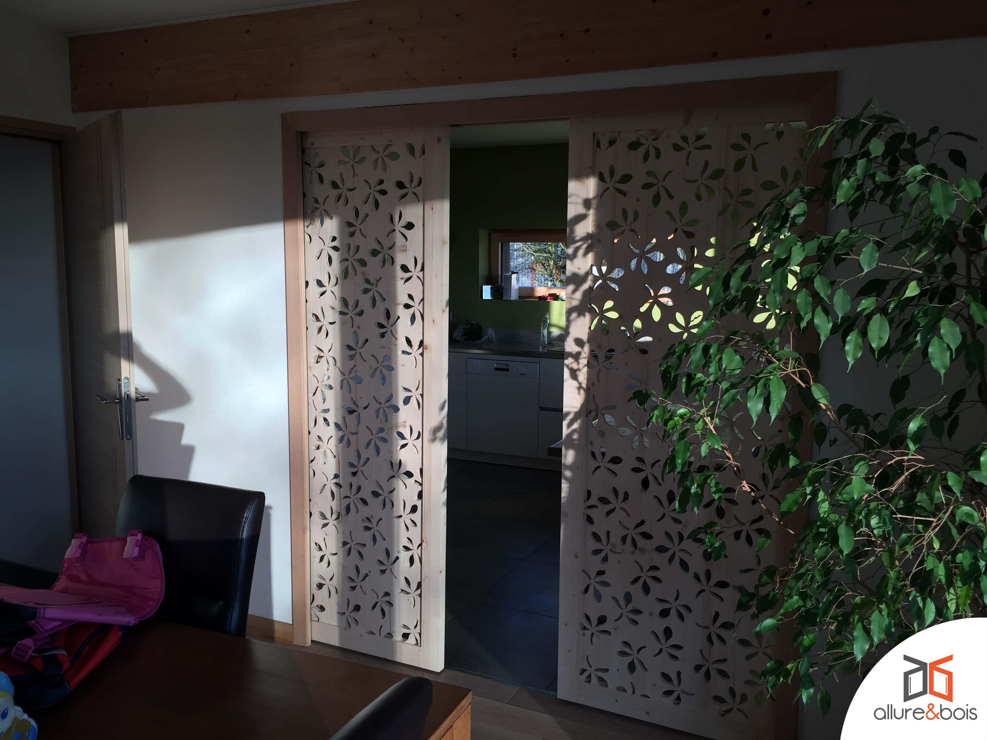 Porte à galandage en bois sur-mesure