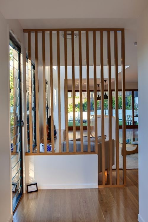 Un claustra lames bois pour votre cloison intérieure