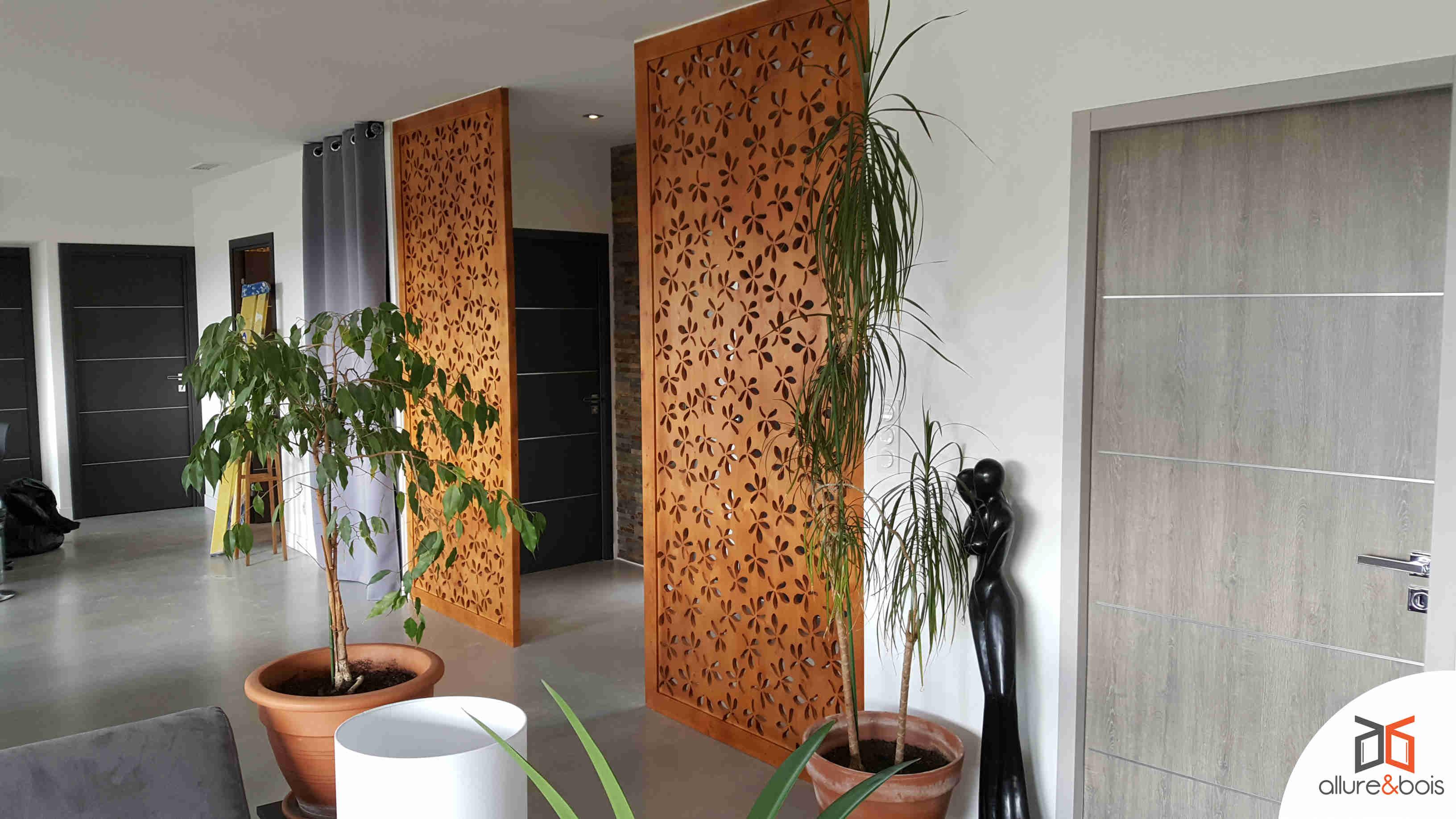 Motif floral pour claustra de hall d'entrée
