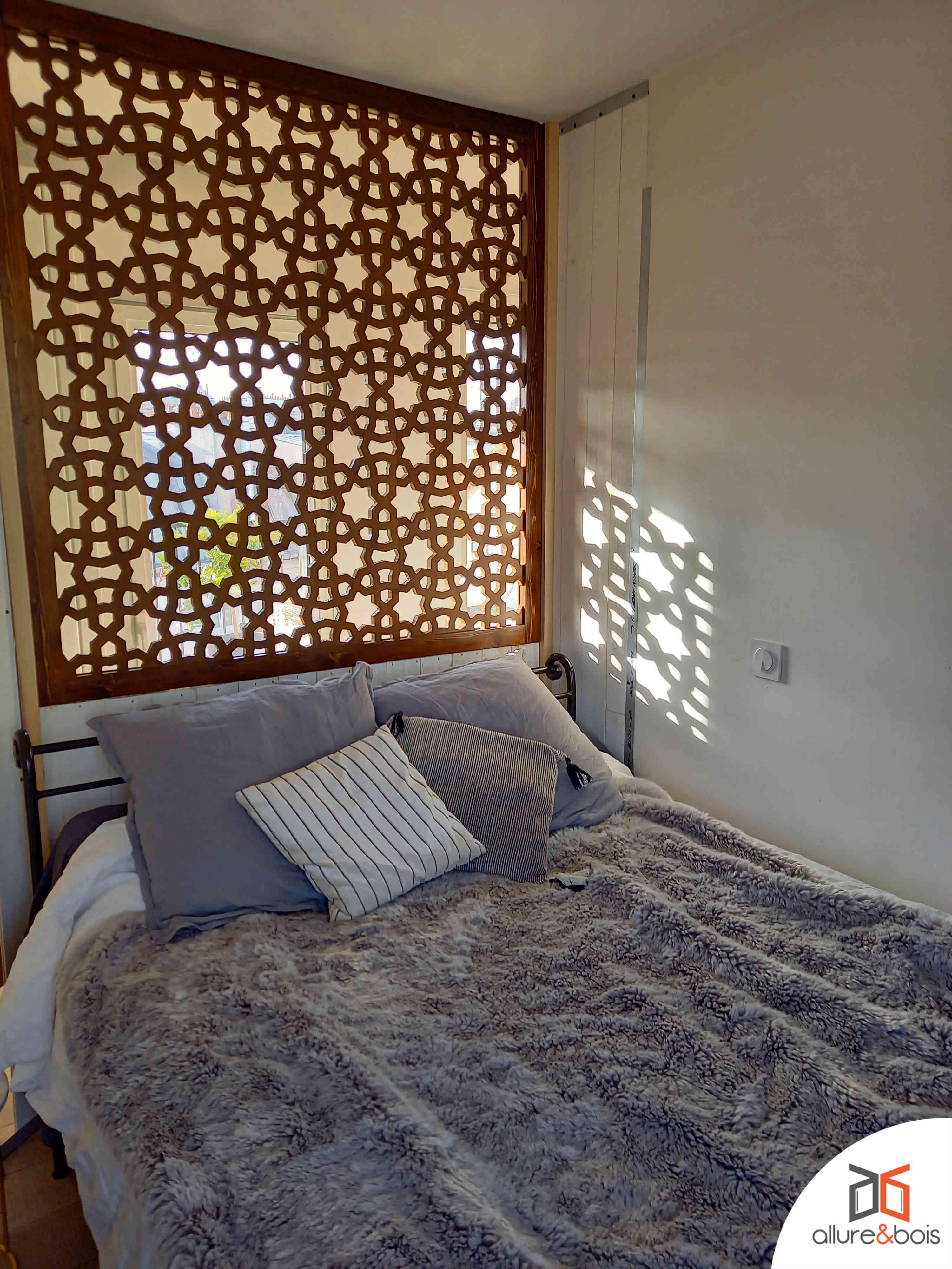 tête de lit claustra bois